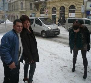 Девушки на снегу - перед выездом